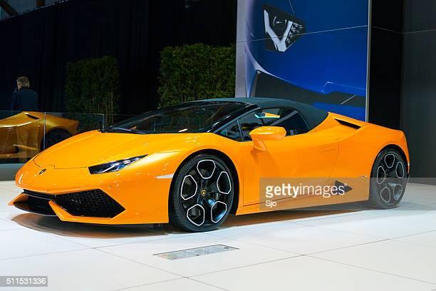 Lamborghini Huracán LP 610-4 Spyder carro desportivo vista de frente