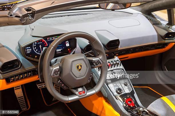 Lamborghini Huracán LP 610-4 Spyder carro desportivo interior