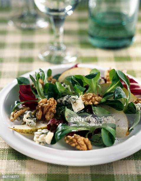 Lambs lettuce and pear salad