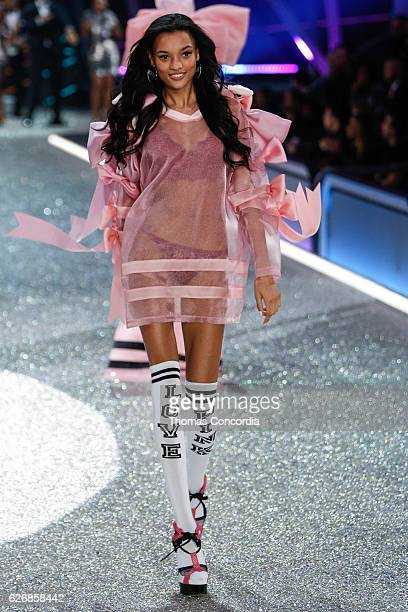 Lameka Fox walks the runway during the 2016 Victoria's Secret Fashion Show at the Grand Palais in Paris on November 30 2016 in Paris France