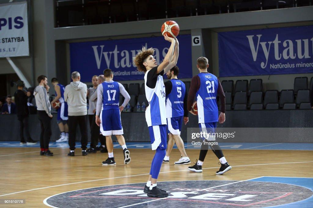 LiAngelo and LaMelo Ball Training with Vytautas Prienai