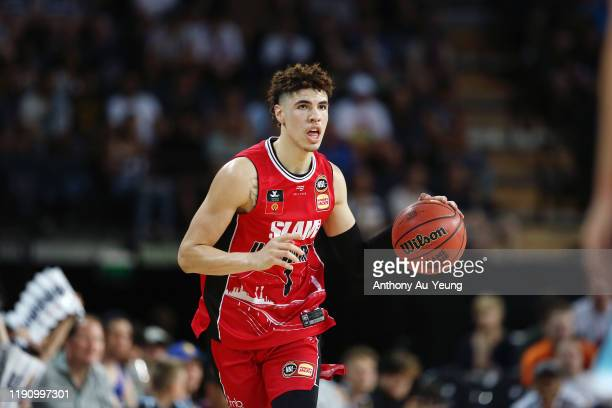 LaMelo Ball of the Hawks in action during the round 9 NBL match between the New Zealand Breakers and the Illawarra Hawks at Spark Arena on November...