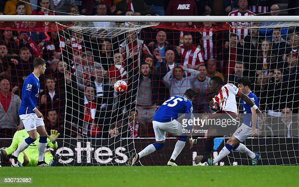 Lamine Kone of Sunderland scores his team's third goal during the Barclays Premier League match between Sunderland and Everton at the Stadium of...
