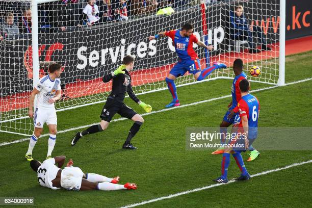 Lamine Kone of Sunderland scores the opening goal during the Premier League match between Crystal Palace and Sunderland at Selhurst Park on February...