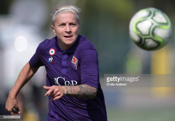 Lana Clelland of Fiorentina Women's FC looks the ball during the Serie A match between AC Milan Women and Fiorentina Women at Campo Sportivo Vismara...
