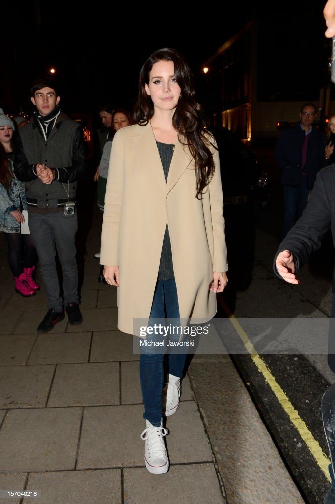 Lana Del Rey arriving at her London hotel on November 27, 2012 in London, England.