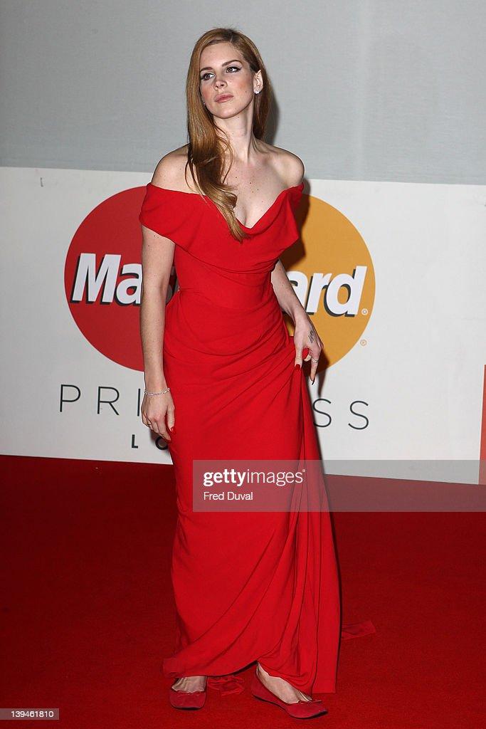 The BRIT Awards 2012 - Arrivals : Fotografia de notícias