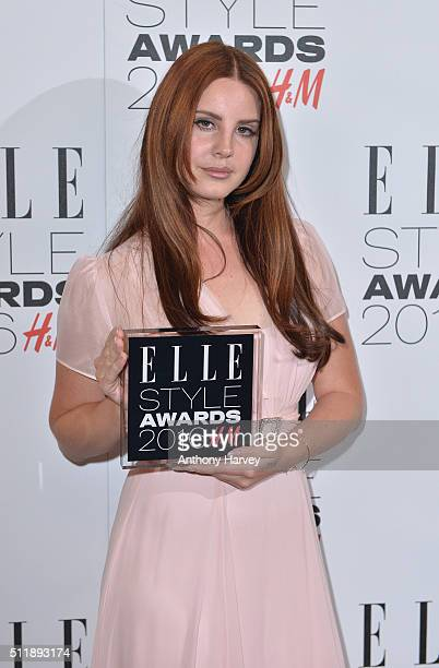 Lana Del Rey poses with her award for Female Artist of The Year in the winners room at The Elle Style Awards 2016 on February 23 2016 in London...