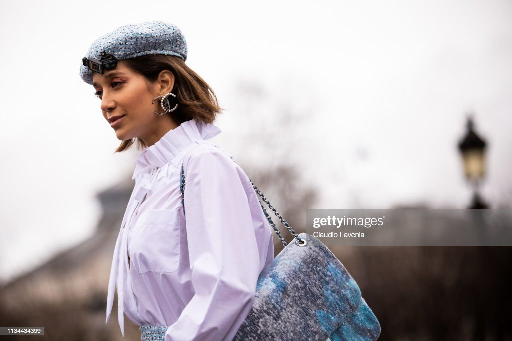 Street Style - Paris Fashion Week Womenswear Fall/Winter 2019/2020 : Day Nine : Foto di attualità