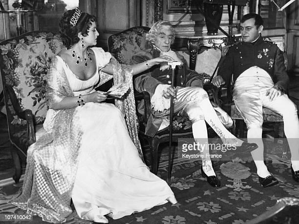 Lana Marconi Sacha Guitry And Raymond Pellegrin In 1954