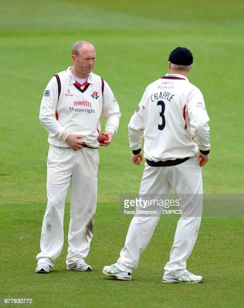 Lancashire's Gary Keedy and Glenn Chapple discuss the mornings play