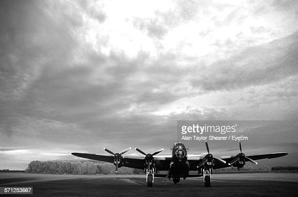 lancaster bomber against sky - lancaster bomber stock pictures, royalty-free photos & images