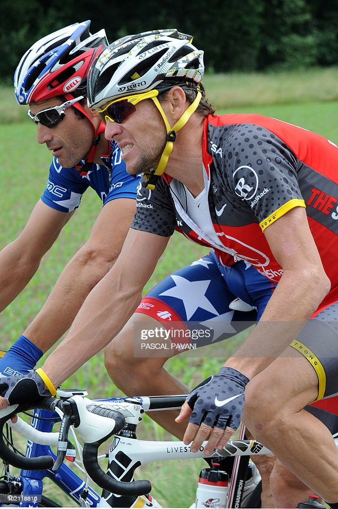 US Lance Armstrong (R) and US George Hincapie (L) compete during the fourth stage Schawarzenburg - Wettingen of the Tour of Switzerland cycling race on June 15, 2010.