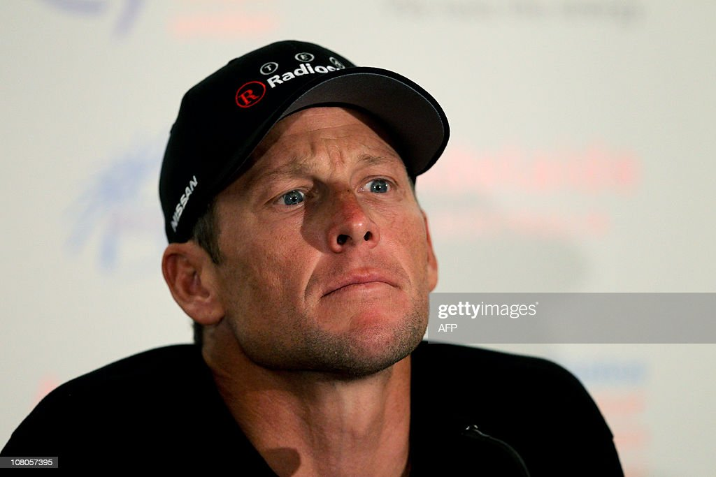 Lance Armstrong of the US attends an int : News Photo
