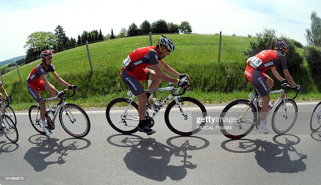 US Lance Armstrong (C) rides during the 'Tour of Luxembourg' last stage on June 6, 2010 between Mersch and Luxembourg. Spain's Gorka Izaguirre won the stage as Matteo Carrara won the race ahead of Luxembourg's Franck Schleck and Lance Armstrong.