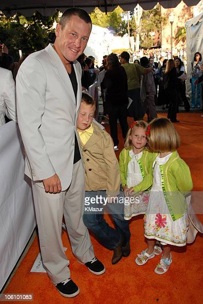 Lance Armstrong with children Luke Armstrong Isabelle Armstrong and Grace Armstrong