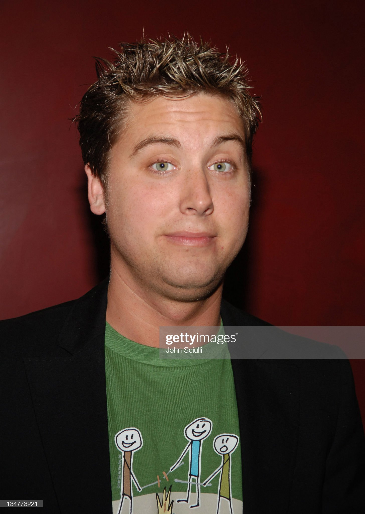 Ojos verdes - Famosas y famosos con los ojos de color VERDE Lance-bass-during-lions-gate-films-presents-in-the-mix-special-cast-picture-id134773221?s=2048x2048