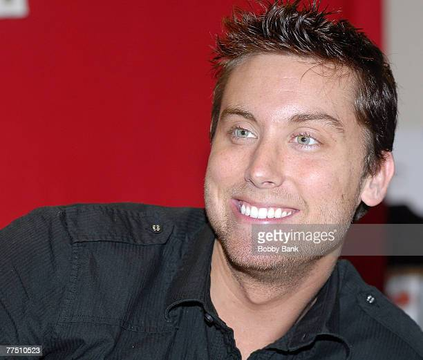 """Lance Bass signing copies his new book """"Out Of Sync"""" at Bookends Bookstore Ridgewood on October 24, 2007 in New Jersey."""