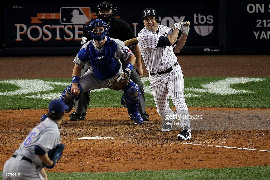 Texas Rangers v New York Yankees, Game 5 : ニュース写真