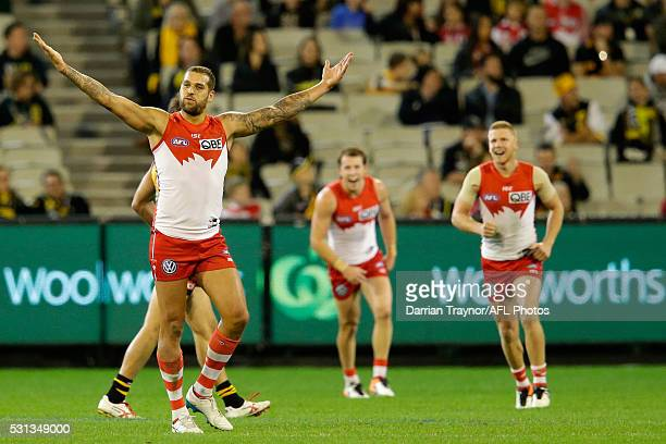 Lance Franklin of the Swans celebrates a goal during the round eight AFL match between the Richmond Tigers and the Sydney Swans at Melbourne Cricket...