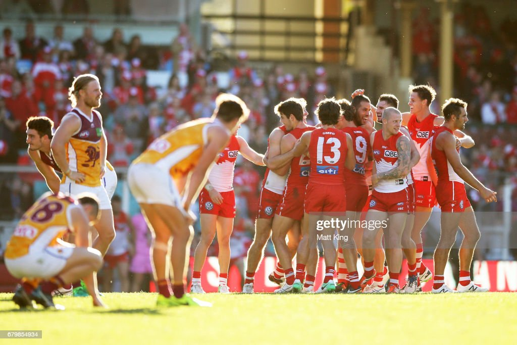 AFL Rd 7 - Sydney v Brisbane : News Photo
