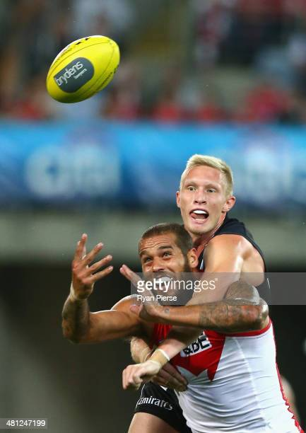 Lance Franklin of the Swans is spolied by Jack Frost of the Magpies during the round two AFL match between the Sydney Swans and the Collingwood...