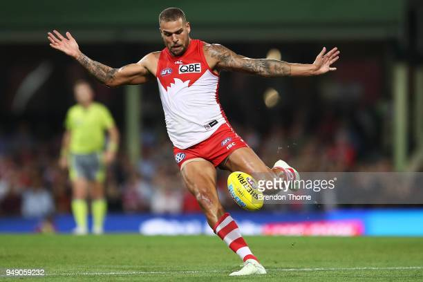 Lance Franklin of the Swans kicks during the round five AFL match between the Sydney Swans and the Adelaide Crows at Sydney Cricket Ground on April...