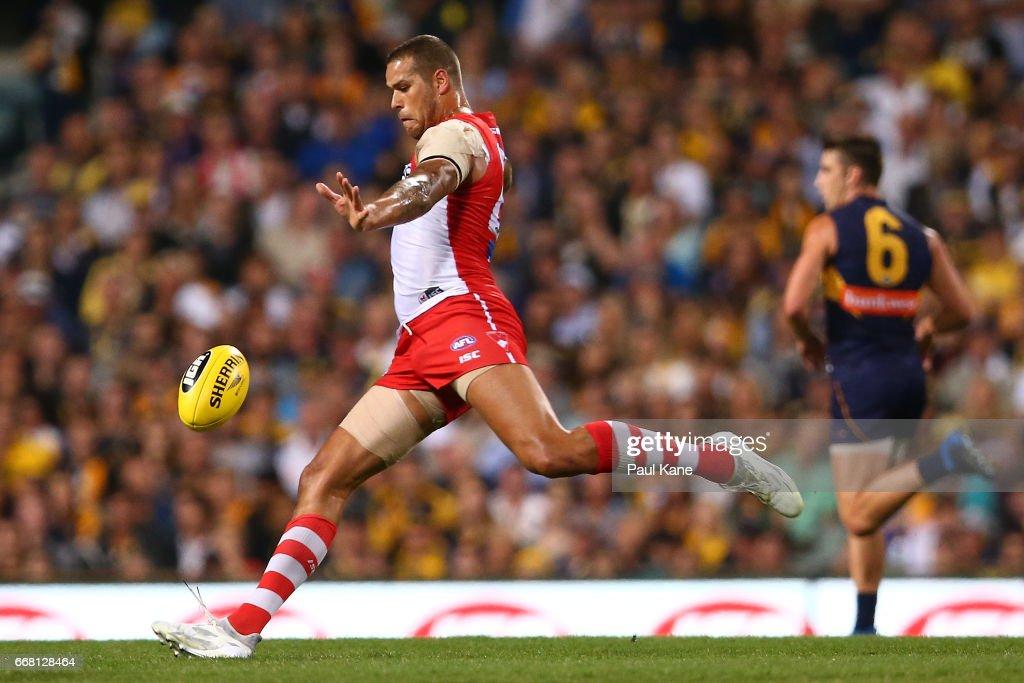 AFL Rd 4 - West Coast v Sydney : News Photo