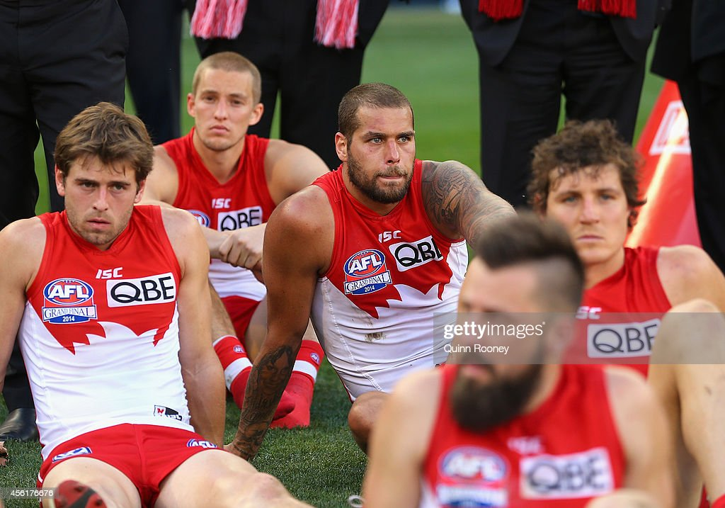 Lance Franklin of the Swans looks dejected after losing the 2014 AFL Grand Final match between the Sydney Swans and the Hawthorn Hawks at Melbourne Cricket Ground on September 27, 2014 in Melbourne, Australia.