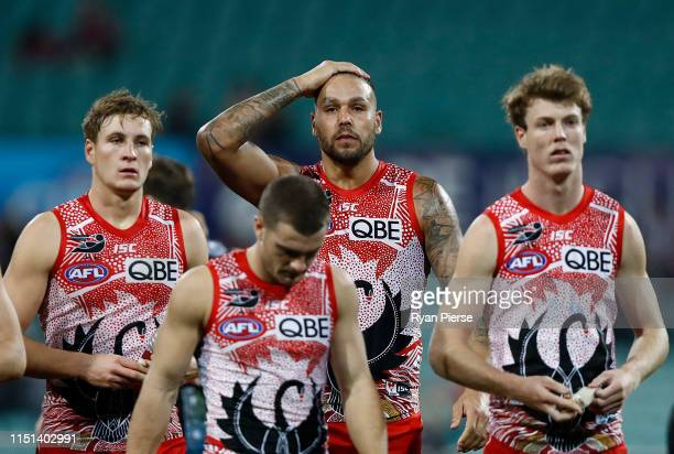 Lance Franklin of the Swans looks dejected after the round 10 AFL match between the Sydney Swans and the Collingwood Magpies at the Sydney Cricket...
