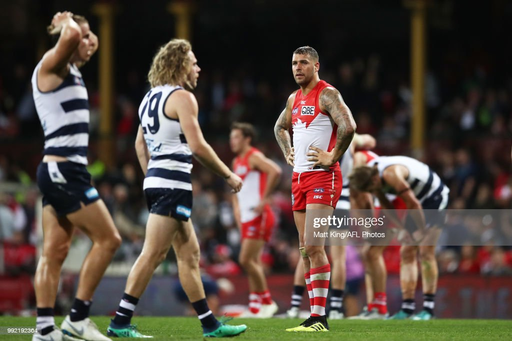 Lance Franklin of the Swans looks dejected at the final siren during the round 16 AFL match between the Sydney Swans and the Geelong Cats at Sydney Cricket Ground on July 5, 2018 in Sydney, Australia.