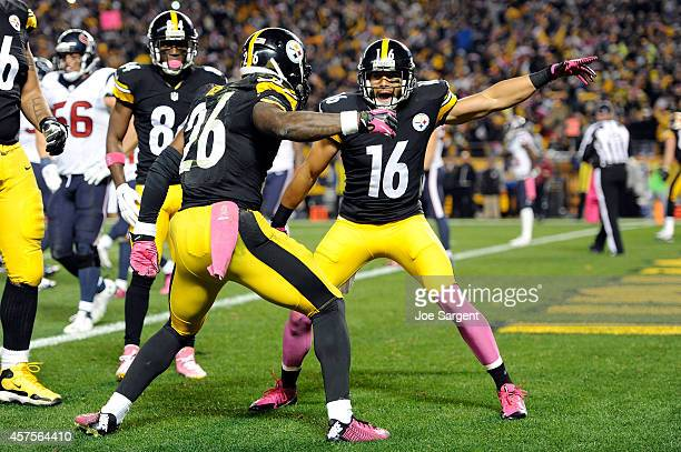 Lance Moore of the Pittsburgh Steelers celebrates with Le'Veon Bell after catching a touchdown passed by Antonio Brown in the second quarter against...
