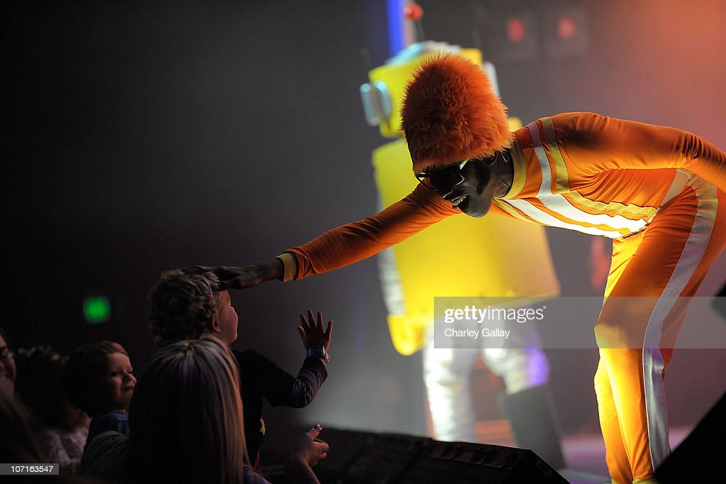 My Kia Performance >> Dj Lance Rock Performs During Yo Gabba Gabba Kia Presents