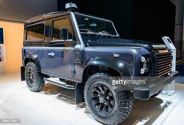 land rover defender 90 station wagon - land rover stock pictures, royalty-free photos & images