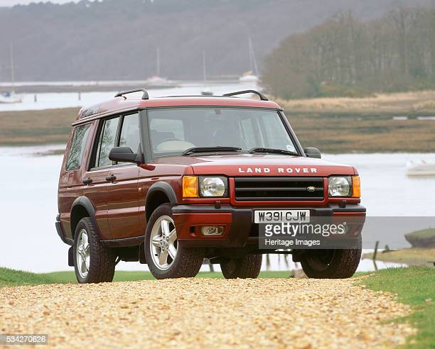 Land Rover Discovery TD5 on gravel track 2000