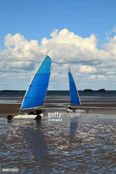 land yachting on gold beach - gwengoat foto e immagini stock