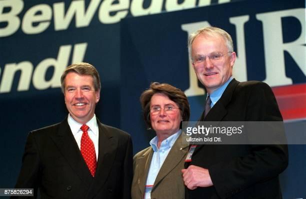 Landesparteitag der CDU von Nordrhein-Westfalen: Der neu gewählte Parteivorstand v.l.: Helmut Linssen, Christa Thoben und Jürgen Rüttgers - Bonn,
