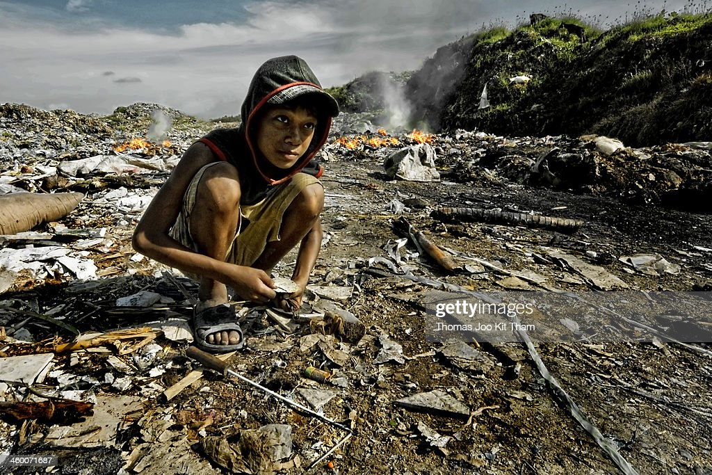 Stung MeanChey Dump Site, Cambodia - Scavenger Boy : News Photo