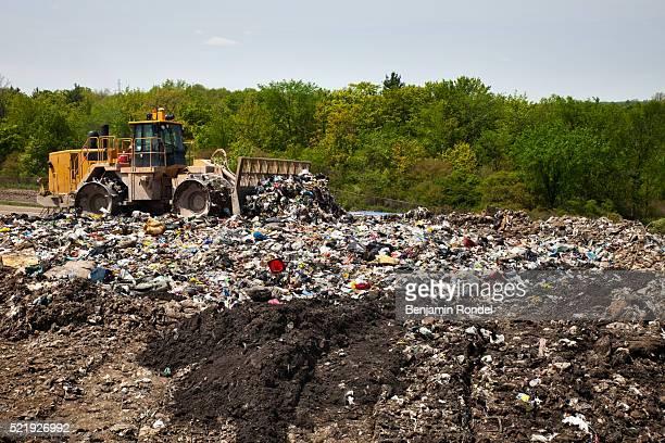 landfill - 埋め立てごみ処理地 ストックフォトと画像