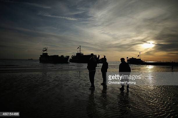Landing craft from the Royal Marines arrive at Arromanche on June 6 2014 in Arromanches Les Bains France Friday 6th June is the 70th anniversary of...
