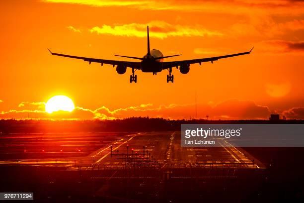 landing - 着陸する ストックフォトと画像
