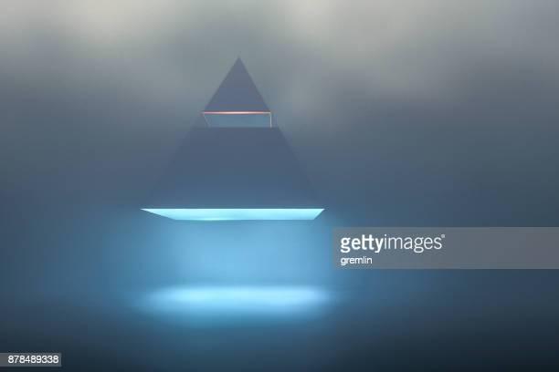 desembarque de pirâmide de ufo na noite nebulosa - disco voador - fotografias e filmes do acervo