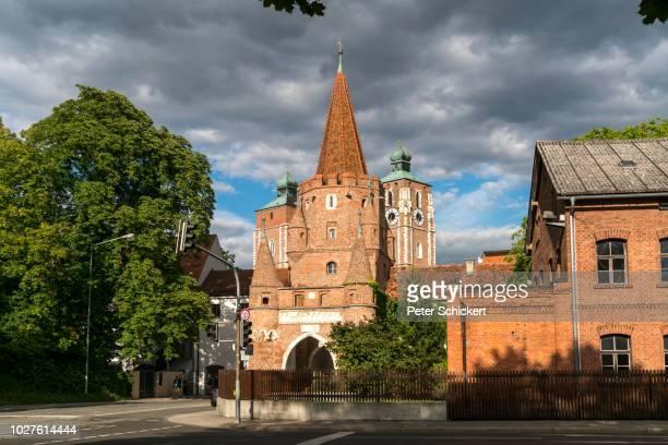 landmark kreuztor and liebfrauenmuenster, ingolstadt, upper bavaria, bavaria, germany - インゴルシュタット ストックフォトと画像