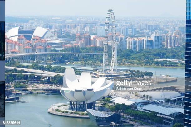 landmarks between the towers of singapore - estádio nacional de singapura - fotografias e filmes do acervo