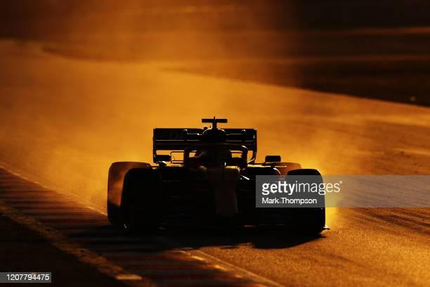 Lando Norris of Great Britain driving the McLaren F1 Team MCL35 Renault locks up under braking during day three of F1 Winter Testing at Circuit de...