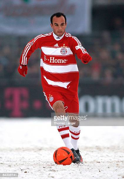 Landon Donovan of Munich runs with the ball during the friendly match between FC Eintracht Bamberg and FC Bayern Muenchen on January 17, 2009 at the...
