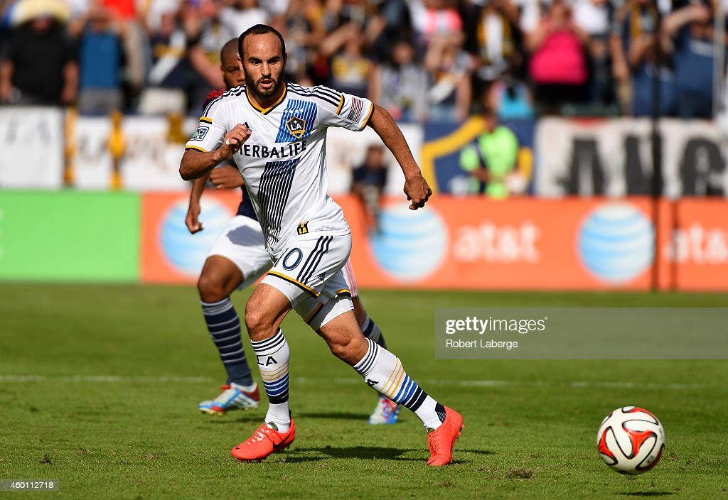 2014 MLS Cup - New England Revolution v Los Angeles Galaxy : News Photo