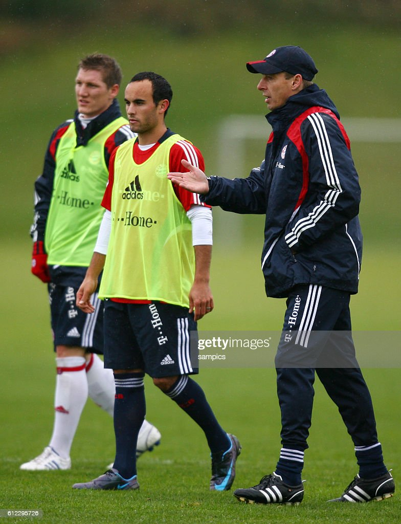 free shipping deb06 9c3f5 Landon Donovan of the US as training guest at a Bayern ...