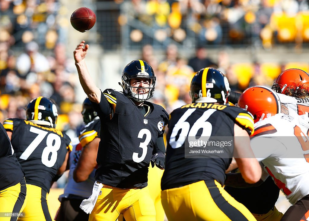 Landry Jones #3 of the Pittsburgh Steelers passes in the 1st quarter of the game against the Cleveland Browns at Heinz Field on November 15, 2015 in Pittsburgh, Pennsylvania.