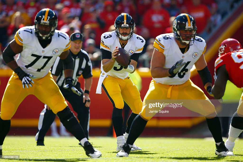 Landry Jones #3 of the Pittsburgh Steelers receives the snap while Marcus Gilbert #77 of the Pittsburgh Steelers and David DeCastro #66 of the Pittsburgh Steelers pass protect against the Kansas City Chiefs at Arrowhead Stadium during the game on October 25, 2015 in Kansas City, Missouri.